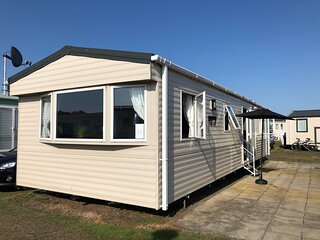 Holiday Let on a quiet holiday park close to the beach
