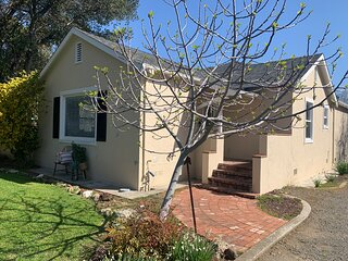 Napa Valley Cottage - private retreat & entertainers dream (under renovation)