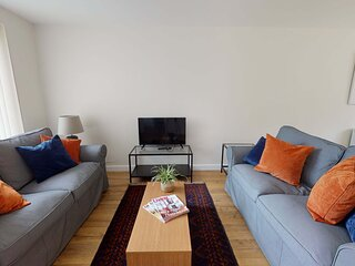 Contemporary and stylish three bedroom Oxford home