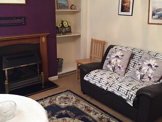 2 bedroom self catering flat holiday let furnished