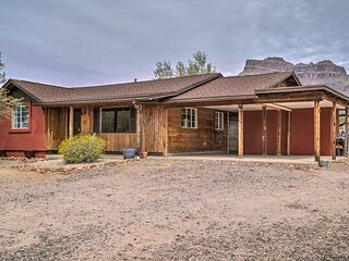 NEW! Apache Junction Escape w/ Hot Tub & Mtn Views