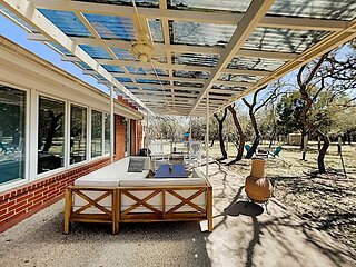 17-Acre Hill Country Family Retreat   Playground & Fire Pits   Walk to River