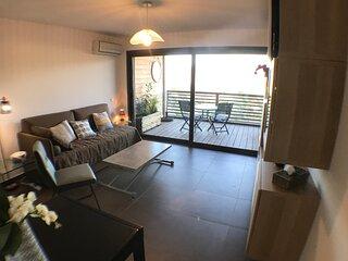 Studio standing pour 2 belle terrasse vue mer panoramique piscine wifi climatisé