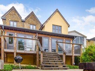Mercia House, Winchcombe - sleeps 8 guests  in 4 bedrooms