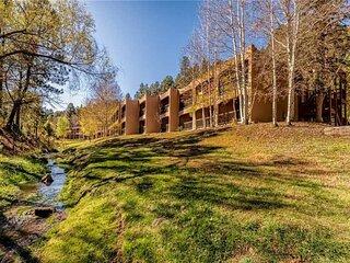 Canyon Creek Condo #105  Canyon Creek Condo #105 - Cozy Cabins Real Estate, LLC.