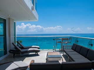 by Tim M - Penthouse #2701 - Spacious & Beautifully Finished & Wonderful Views!