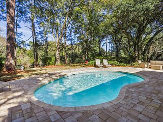 Gorgeous waterfront home in Palmetto Dunes!  3 World class golf courses!