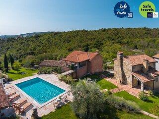 Stone Villa Malini, in Istria, with a Pool