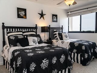 Holiday Towers | 2BR 11th Floor