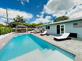 All-New Oasis | Private Pool, Outdoor Kitchen, Designer Interior | Near Beach