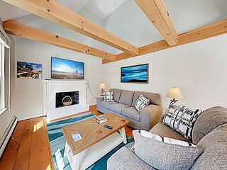 Cheery Cottage | Big Deck | Short Walk to Seymour Pond Beach & CC Rail Trail