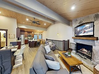 Royal Pines Condo | Fireplace, Balcony, Private Parking | Walk to Town Center