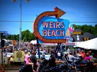 Location,Location, Location! Weirs Beach Cottage, aluguéis de temporada em Laconia