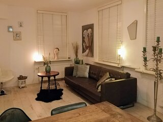 Groundfloor home 2 KM from Anne Frank & 3 KM fr.Dam& Museum Square