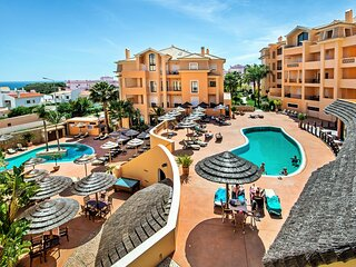 Beautiful 1 bed apartment in Estrela, Luz (License -98040/AL)