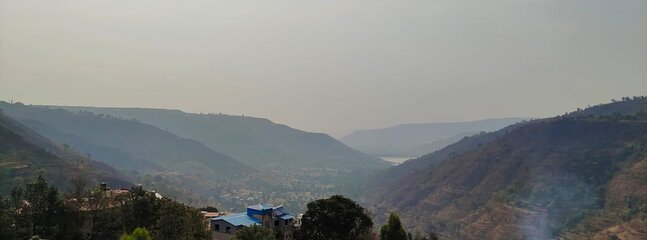 Mane Residency with views overlooking the picturesque Panchgani Valley, holiday rental in Wai
