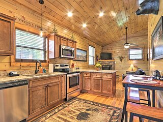 NEW! Luxe, Cozy Cabin w/ Hot Tub & Pool Near Town!