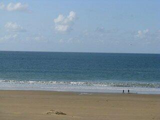 A ERQUY, en bordure de la très belle plage de CAROUAL 2km de sable fin