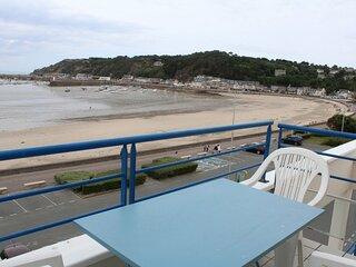 A ERQUY, en bordure de la plage du centre.