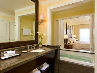 4/10/21 (7 nights) PREMIUM 2-BEDROOM Westin Ka'anapali Ocean Resort Villas