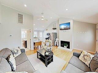Charming New Cottage | 150 Yards to Tranquil Beach | Walk to Dining & Shops