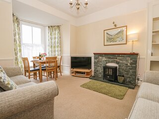 SCAFELL, ground floor pet-friendly apartment with WiFi, in
