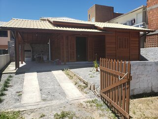 Casa na Pinheira a 150m da praia