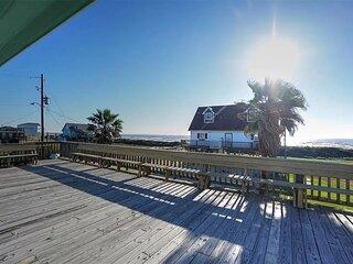 Stunning beach views-100 steps to beach-Huge deck