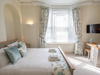 Terrific Two-Bedroom Apartment in York City Centre