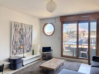 Studio au coeur de Granville, avec balcon et parking privee, 2 couchages