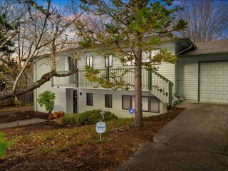 Comfy and Quiet Retreat, Next to Parks and Trails, Single Level Design, BBQ, 11