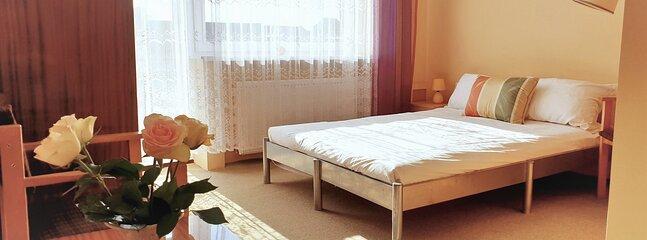 Zielony zakątek pokój dwuosobowy z łazienką, holiday rental in Opole Province