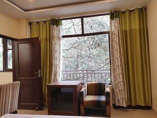 Joy Homestay-Deluxe room with Balcony