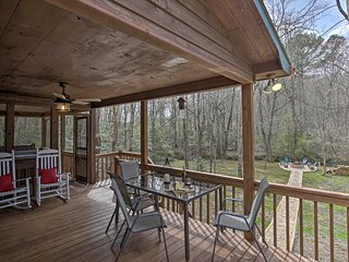 NEW! Picturesque Mtn Cabin w/ Hot Tub & Fire Pit!