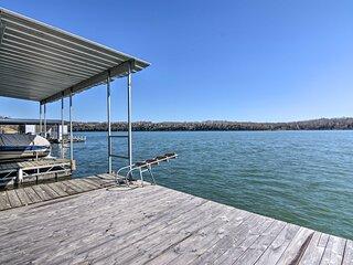 NEW! Table Rock Lakefront Getaway w/Dock+Boat Slip