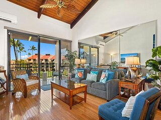 Tropical Elegance with An Ocean View, Courtyard Penthouse, Chilling Split AC
