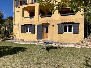 Joli studio independant ds villa a la campagne  au calme proche centre ville 3km