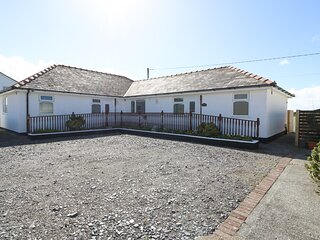SEA BREEZE, stunning views, wheelchair access, underfloor heating, Ref 966902