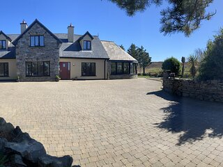Bruion - Located within a short drive to the fishing village of Cleggan