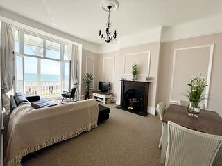 Stunning Sea Front Apartment