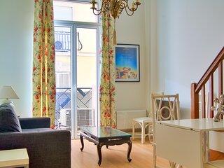 Very nice two rooms with mezzanine, city centre, Croisette, Palais des Festivals