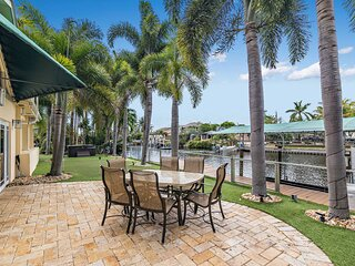 NEW! Sunny Waterfront Home by West Palm w/ Hot Tub