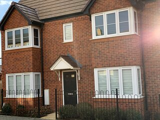 Immaculate 3-Bed House in Wellingborough