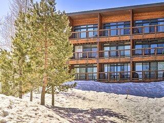 NEW! Cozy Tahoe Donner Condo - Walk to Ski Slopes!