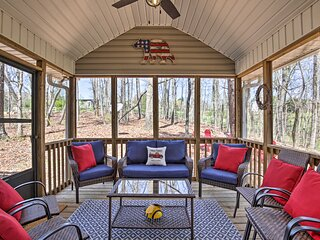 NEW! Quiet Ellijay Home w/ Fire Pit < 3 Mi to Dtwn