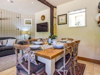 Stable Cottage, Fossebridge, Cotswolds, sleeps 4+2