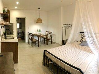 New Super Clean Stylish Apartment
