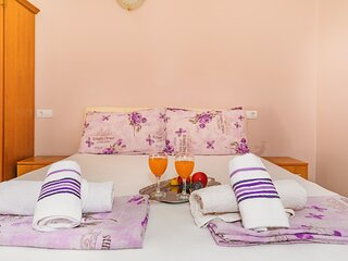 Guest House Edita - Apartment with Balcony