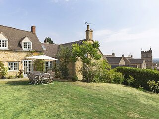 Pilgrim Cottage - Cotswold stone property with large garden and wonderful views.