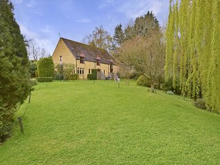 Stepping Stones Cottage - A delightful modern country home in the idyllic villag